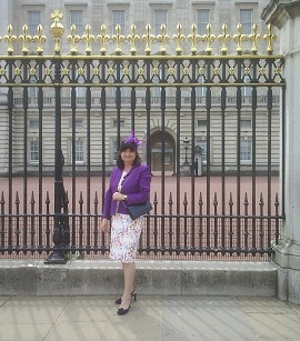 Picture of Alison Houlbrooke outside Buckingham Palace
